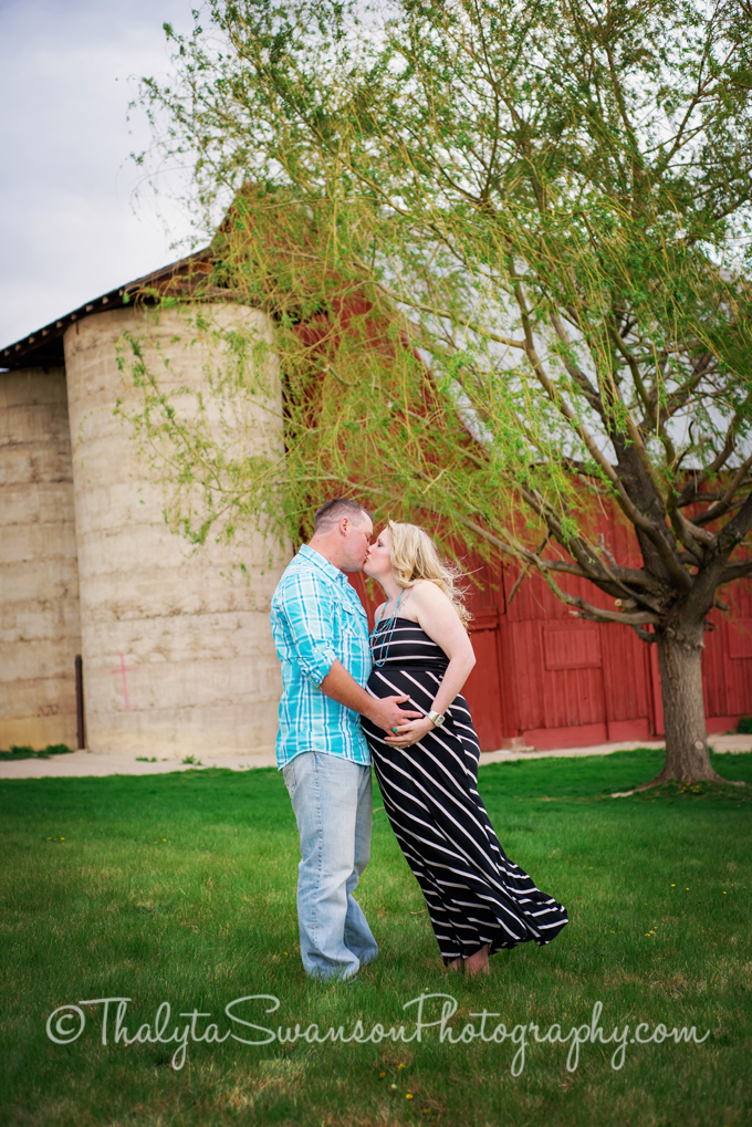 Maternity Session - Fort Collins Photographer 4