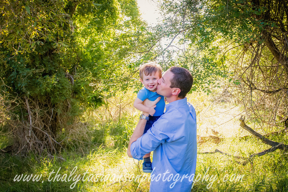 Thalyta Swanson Photography - Outdoor Famiy Photo Session (14)