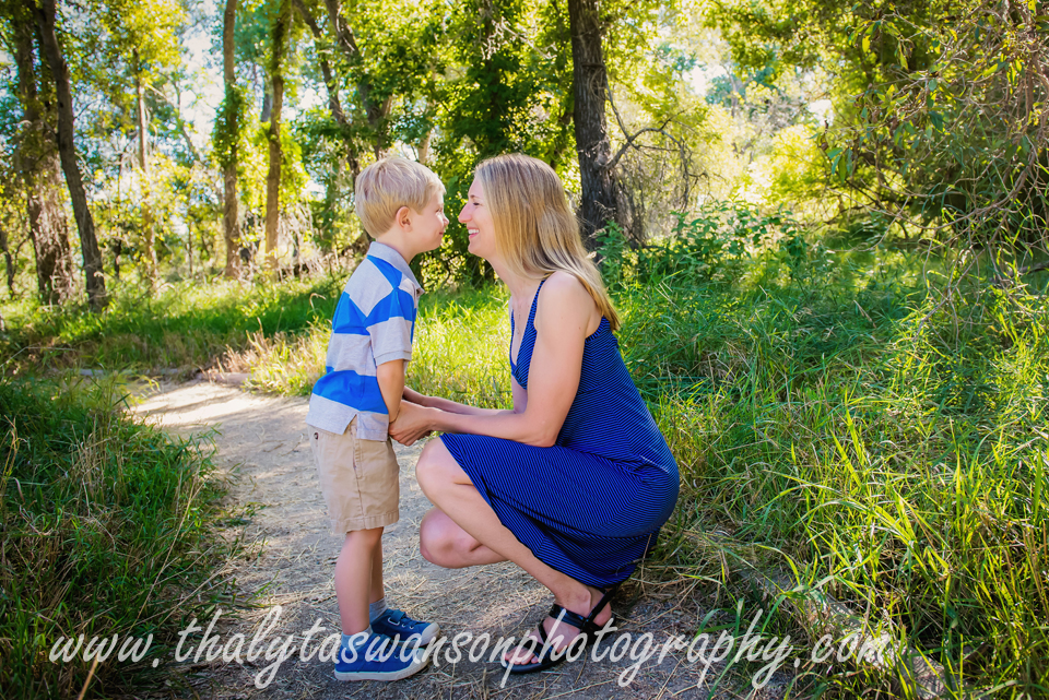Thalyta Swanson Photography - Outdoor Famiy Photo Session (16)