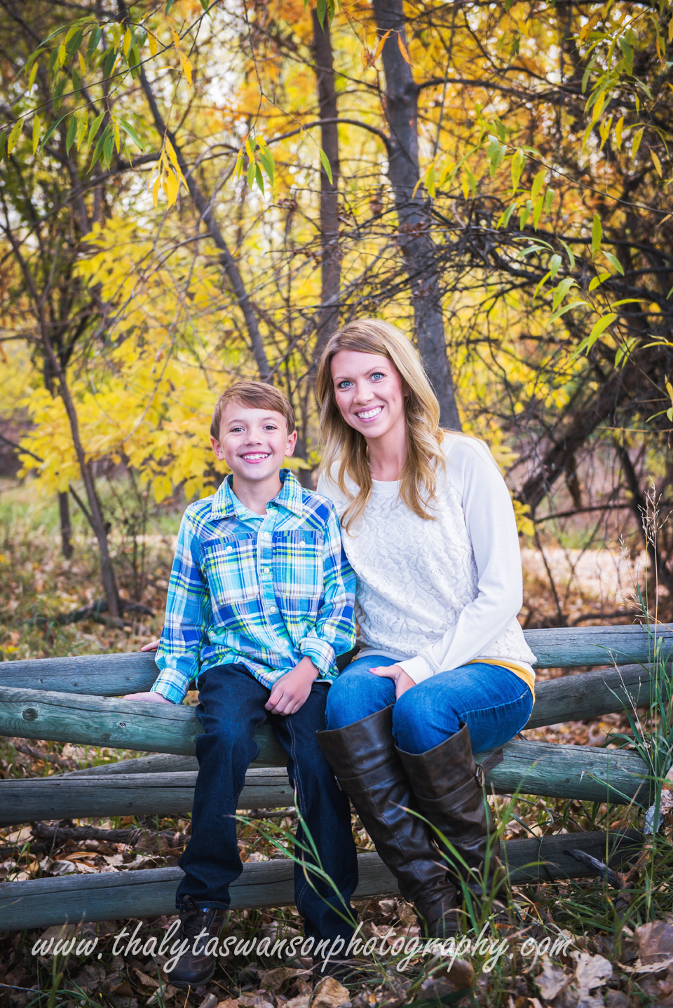 Mom and Son Fall Session - Thalyta Swanson Photography (3)