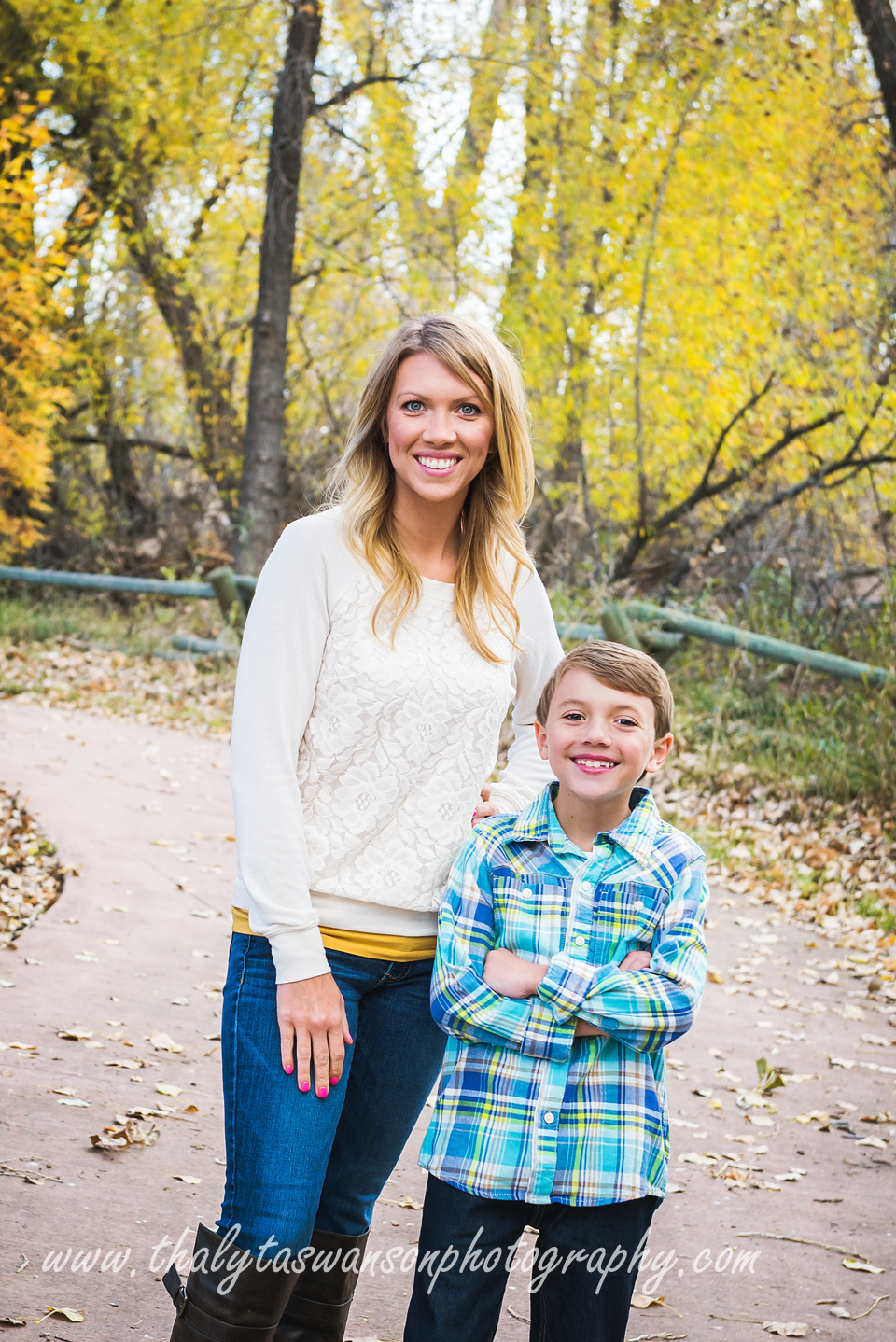 Mom and Son Fall Session - Thalyta Swanson Photography (5)