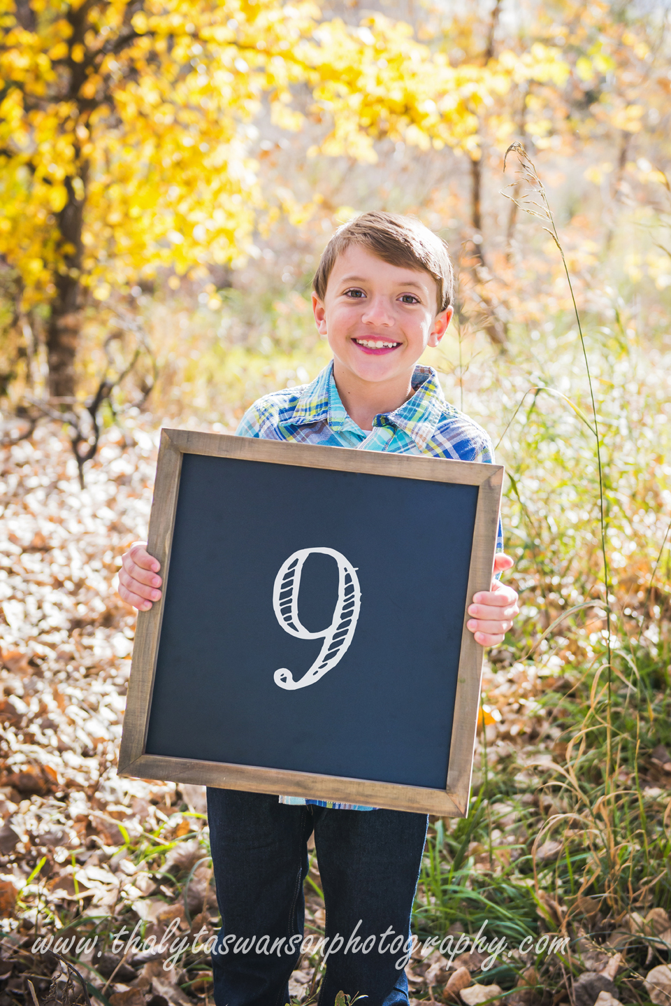 Mom and Son Fall Session - Thalyta Swanson Photography (9)