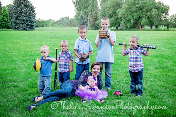 Thalyta Swanson Photography - Family Photo Session - Rolland Moore Park (16)