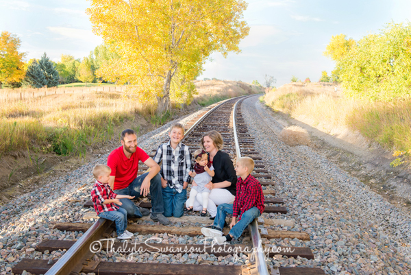 fun-fall-family-session-fort-collins-photographer-thalyta-swanson-photography-8