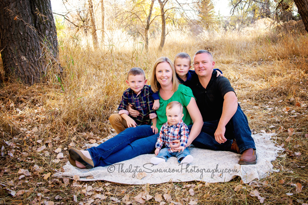 fall-family-mini-session-fort-collins-photographer-thalyta-swanson-photography-5